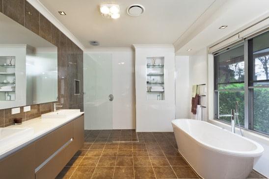 Bathtub Refinishing: Does It Add Value?
